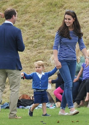 Kate Middleton Booty in Jeans -40