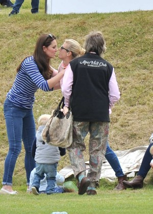 Kate Middleton Booty in Jeans -41