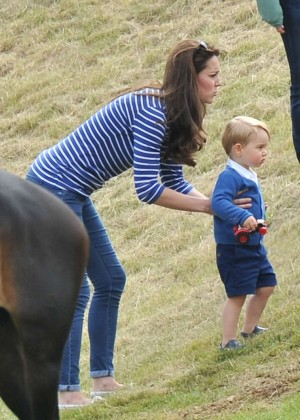 Kate Middleton Booty in Jeans -42