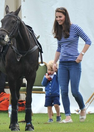 Kate Middleton Booty in Jeans -44