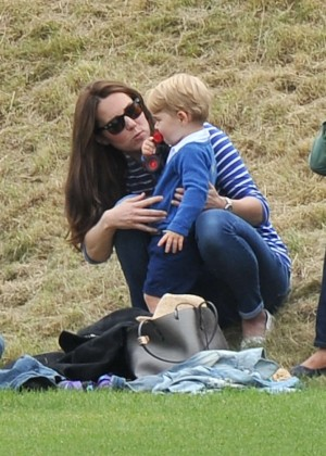 Kate Middleton Booty in Jeans -45