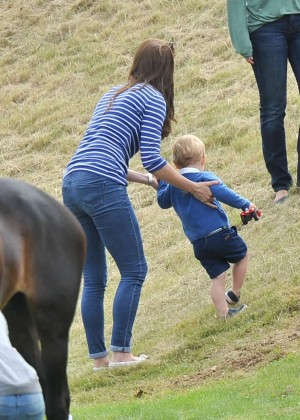Kate Middleton Booty in Jeans -52