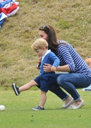 Kate Middleton Booty in Jeans -57