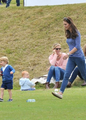 Kate Middleton Booty in Jeans -59