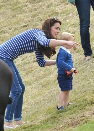 Kate Middleton Booty in Jeans -60