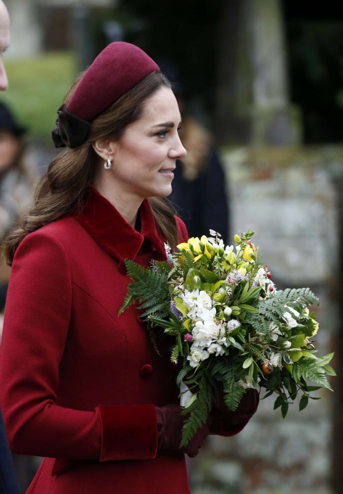 Kate Middleton – Heading to Christmas Day Church service in Sandringham