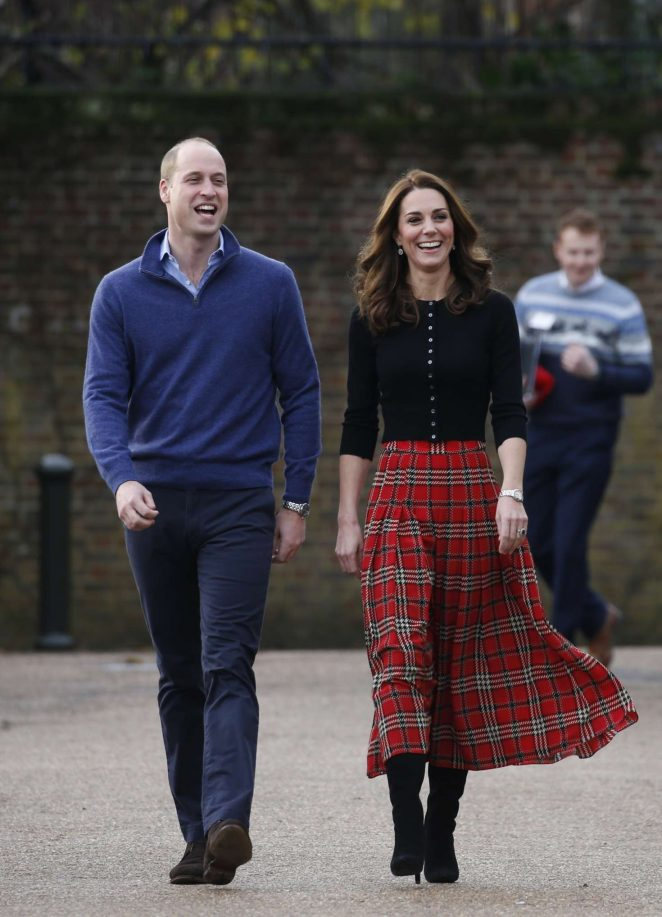Kate Middleton - Host a Christmas party in London