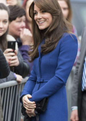 Kate Middleton makes her first official visit to Dundee