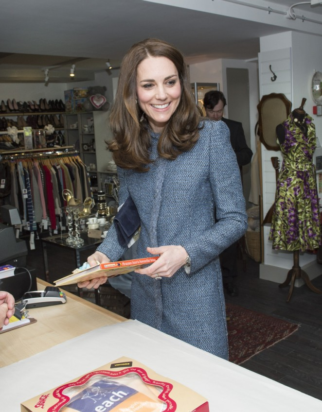 Kate Middleton - Opens New EACH Charity Shop in Holt