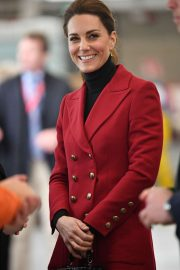 Kate Middleton - Visit Caernarfon coastguard search and rescue helicopter base in Caernarfon
