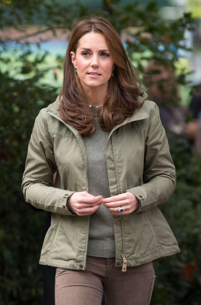Kate Middleton - Visit to Sayers Croft Forest School and Wildlife Garden in London
