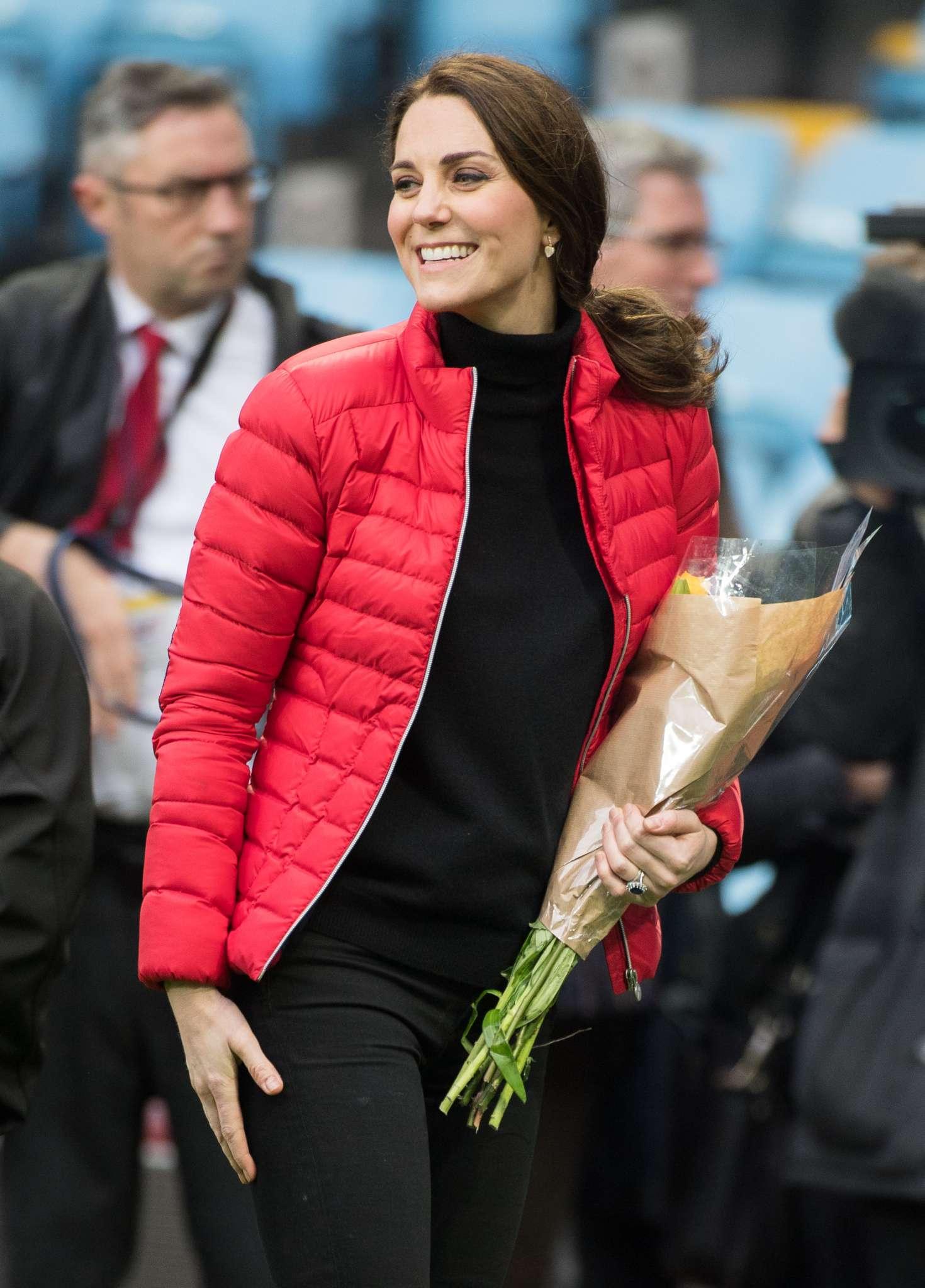 Kate Middleton Visits Aston Villa Football Club 06 Gotceleb