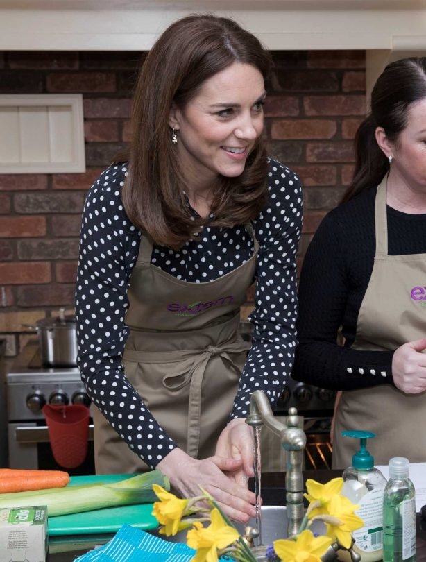 Kate Middleton - Visits Savannah House in Dublin