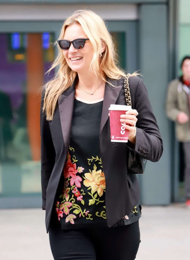 Kate Moss – Arriving at London Heathrow Airport