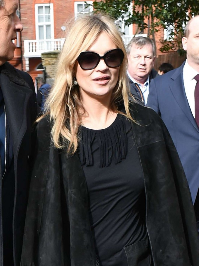 Kate Moss - Burberry Fashion Show 2015 in London