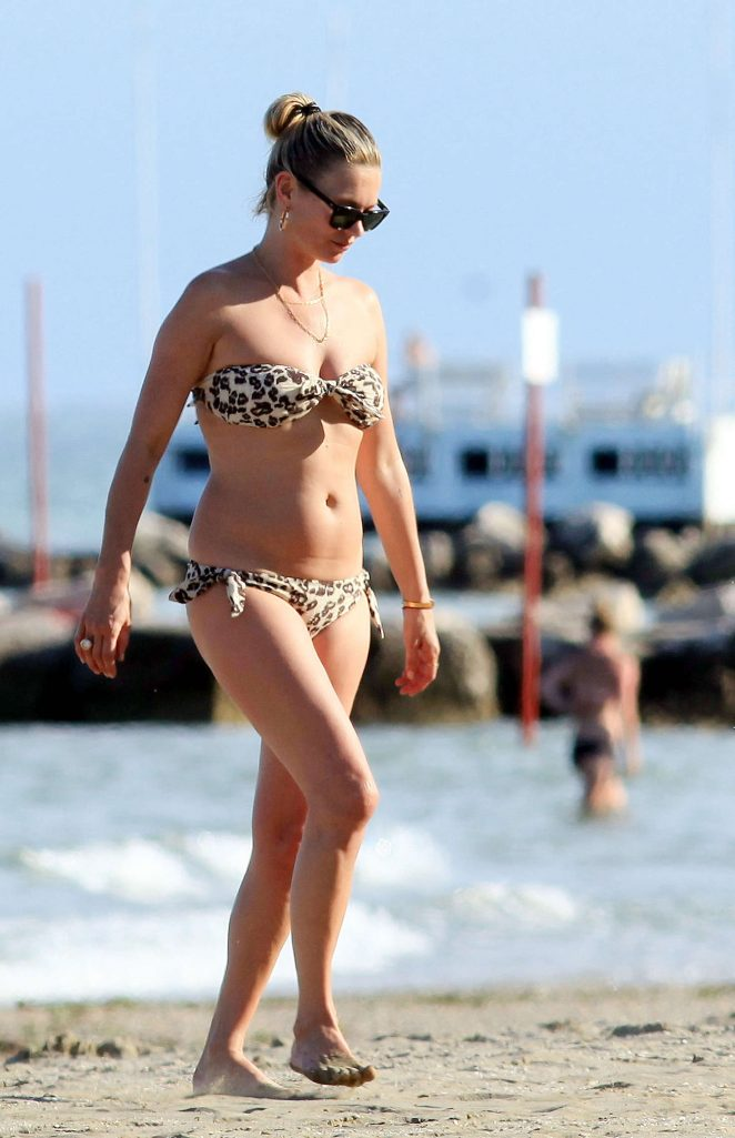 Kate Moss in Bikini on holiday in Venice