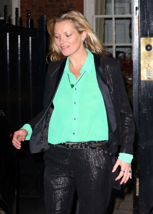 Kate Moss Leaves her house in London