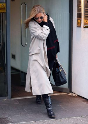 Kate Moss - Leaving a health spa in London