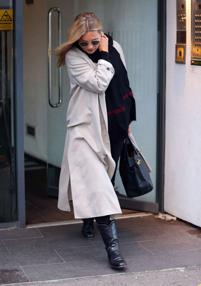 Kate Moss – Leaving a health spa in London