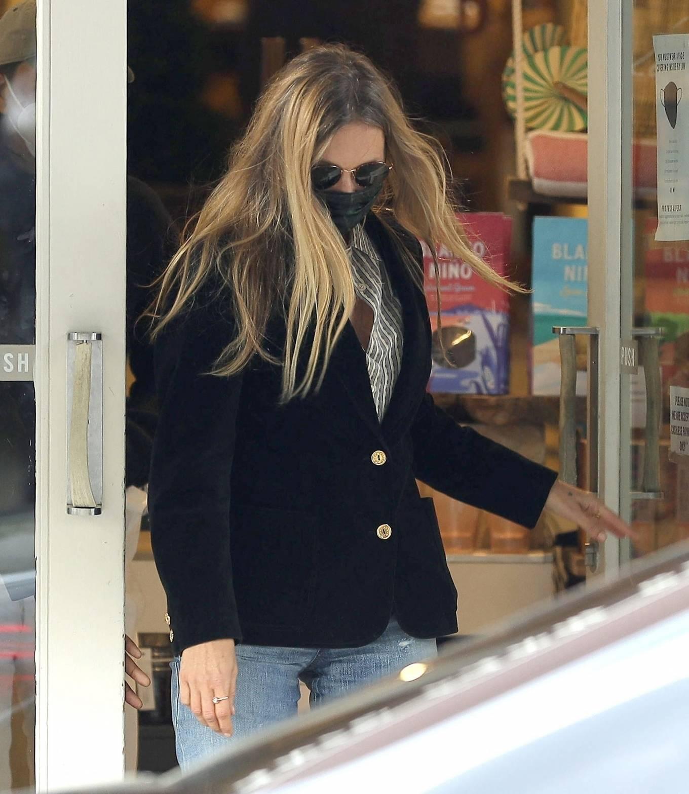 Kate Moss 2021 : Kate Moss – Leaving Daylesford Organic in London-15
