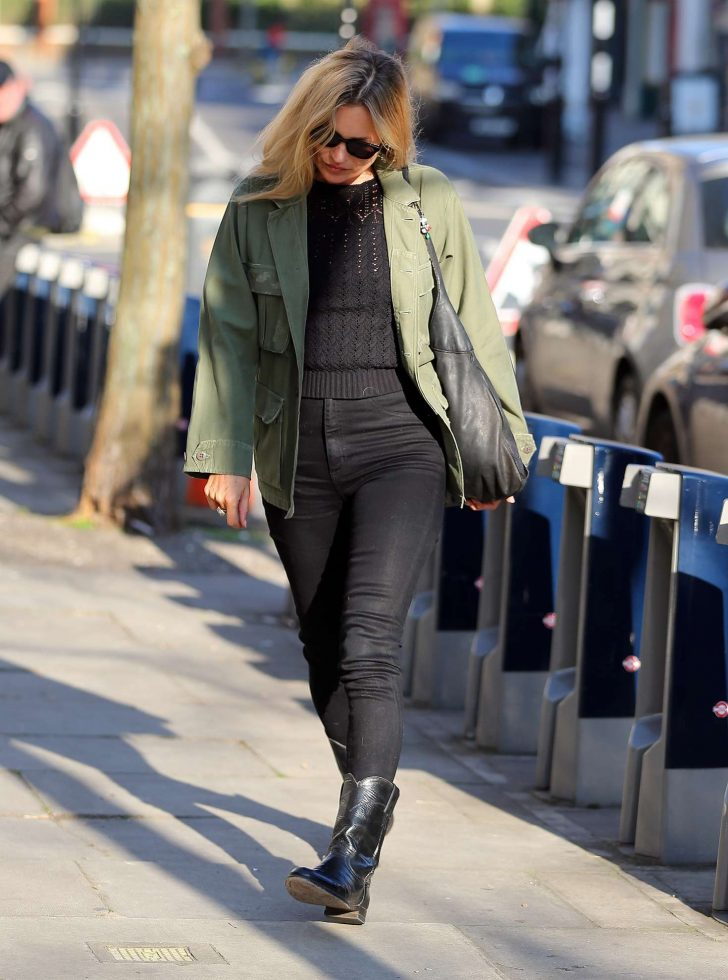 Kate Moss: Out and about in London -04