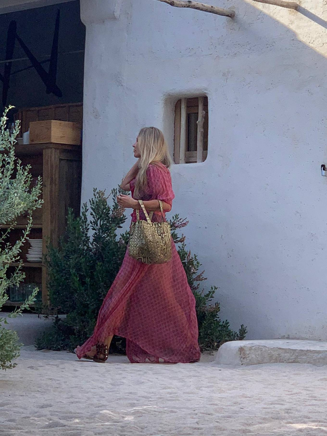 Kate Moss - Seen leaving lunch with friends in Ibiza
