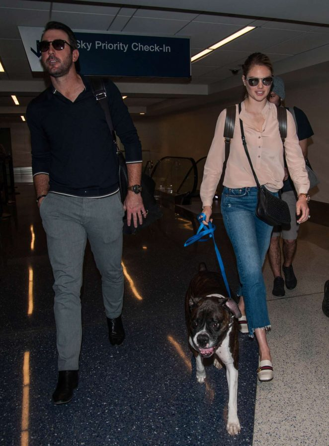 Kate Upton and Fiance Justin Verlander at LAX Airport -34