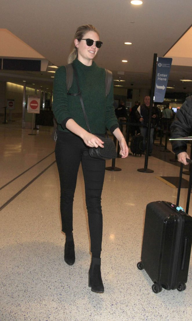 Kate Upton: Arrives at LAX Airport -09