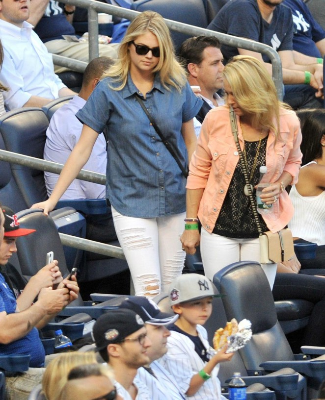 Kate Upton attends Yankees vs Tigers Game