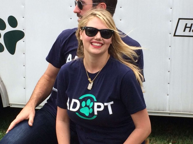 Kate Upton - Hosting a Grand Slam Adoption event in Viera