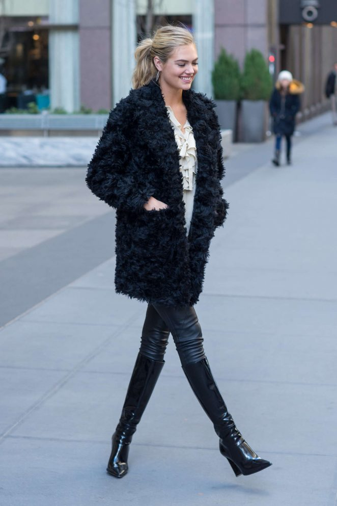 Kate Upton in Black Fur Coat -01