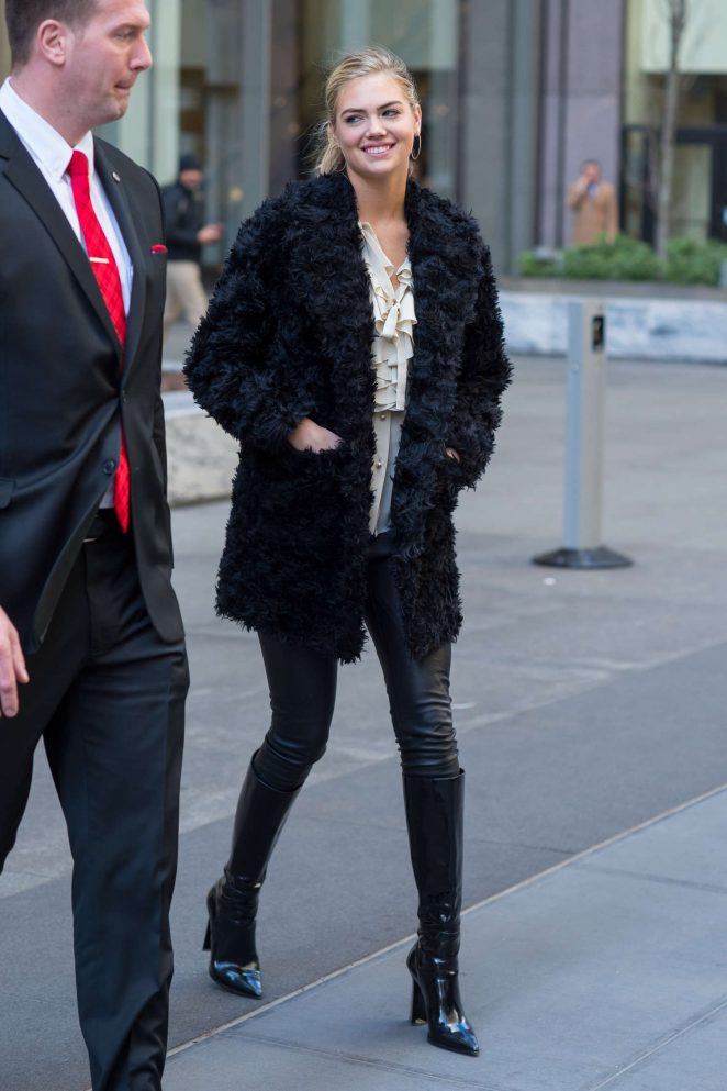 Kate Upton in Black Fur Coat -11