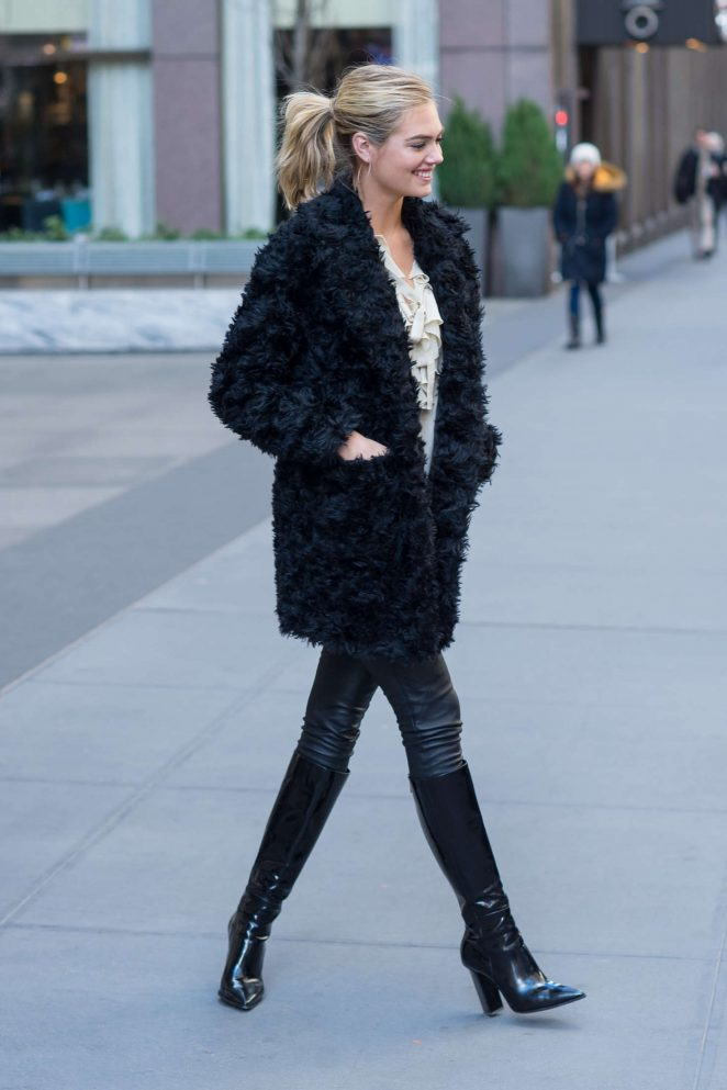 Kate Upton in Black Fur Coat -12