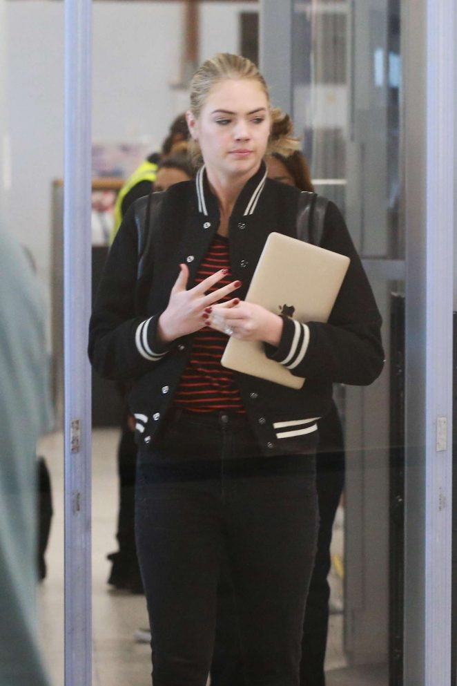 Kate Upton in Jeans at LAX Airport in Los Angeles