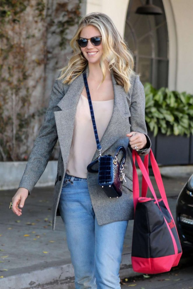 Kate Upton in Jeans Leaving a Hair Salon in Beverly Hills