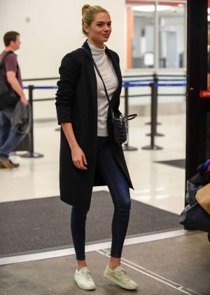 Kate Upton in Skinny Jeans at LAX in Los Angeles