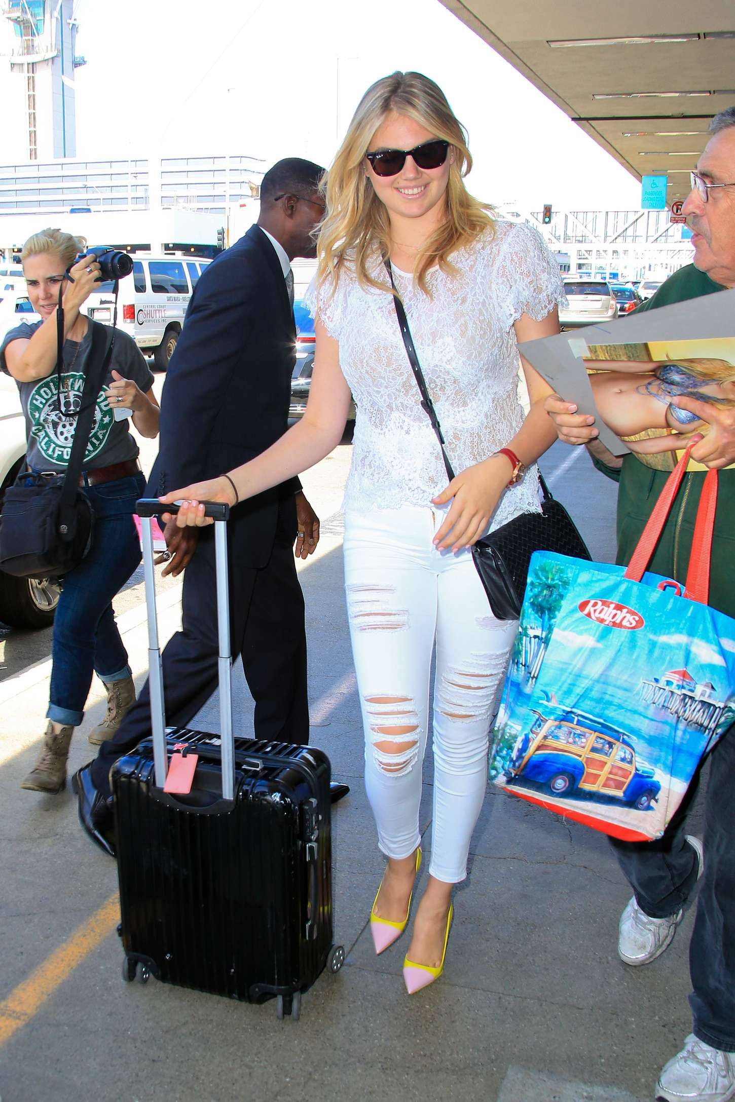 Kate Upton in Tight Jeans at LAX -08