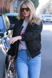 Kate Upton - Leaving a hair salon in Beverly Hills
