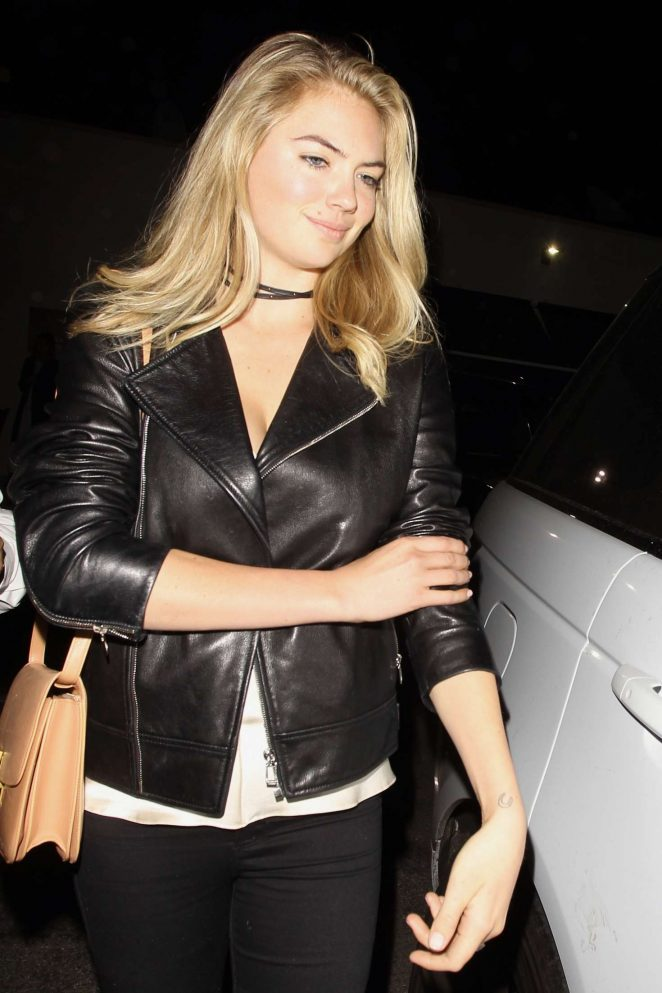 Kate Upton Leaving Craig's in West Hollywood
