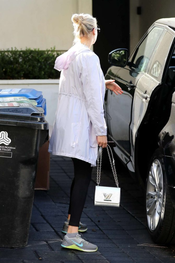 Kate Upton: Leaving the gym in Weswood -03