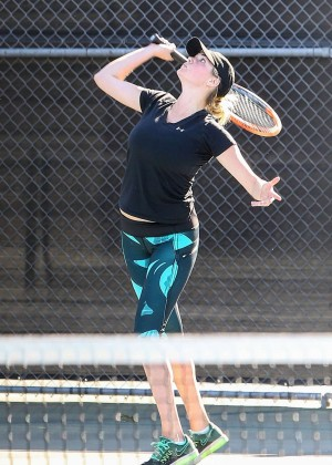 Kate Upton - Playing Tennis in Beverly Hills