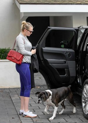 Kate Upton - Seen out in Los Angeles