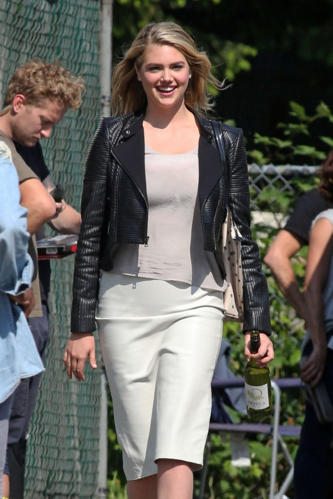 Kate Upton - Set of 'The Layover' in Langley City