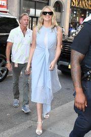 Kate Upton - Spotted outside 'The Today Show' in NYC