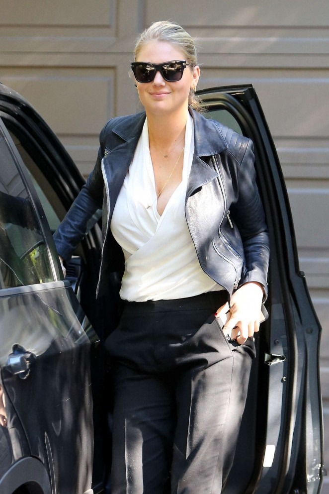 Kate Upton - Visiting friends house in Hollywood