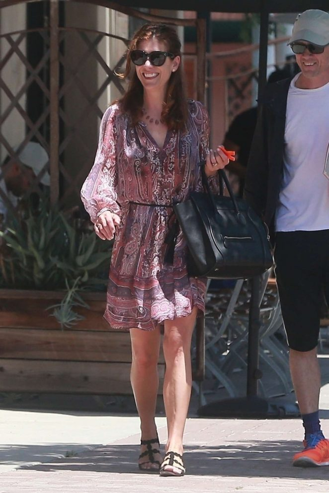 Kate Walsh at Le Pain Quotidien in Studio City