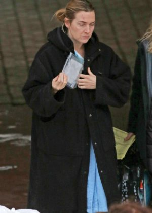 Kate Winslet - Filming at Eagle Ridge Hospital in Port Moody