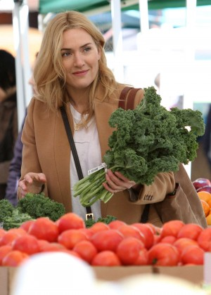 Kate Winslet - Filming 'Collateral Beauty' in Manhattan's Washington Heights Neighborhood