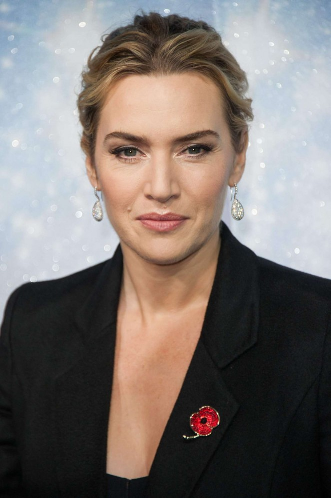 Kate Winslet - Opening the Christmas Shopping Window in NYC