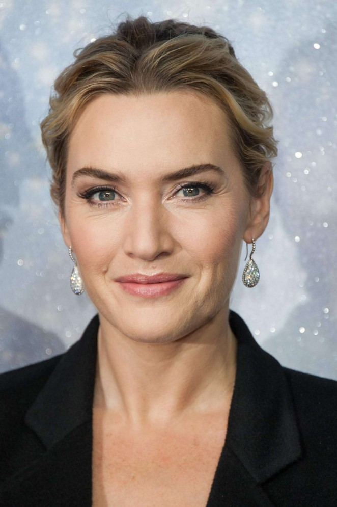 Kate Winslet: Opening the Christmas Shopping Window -12